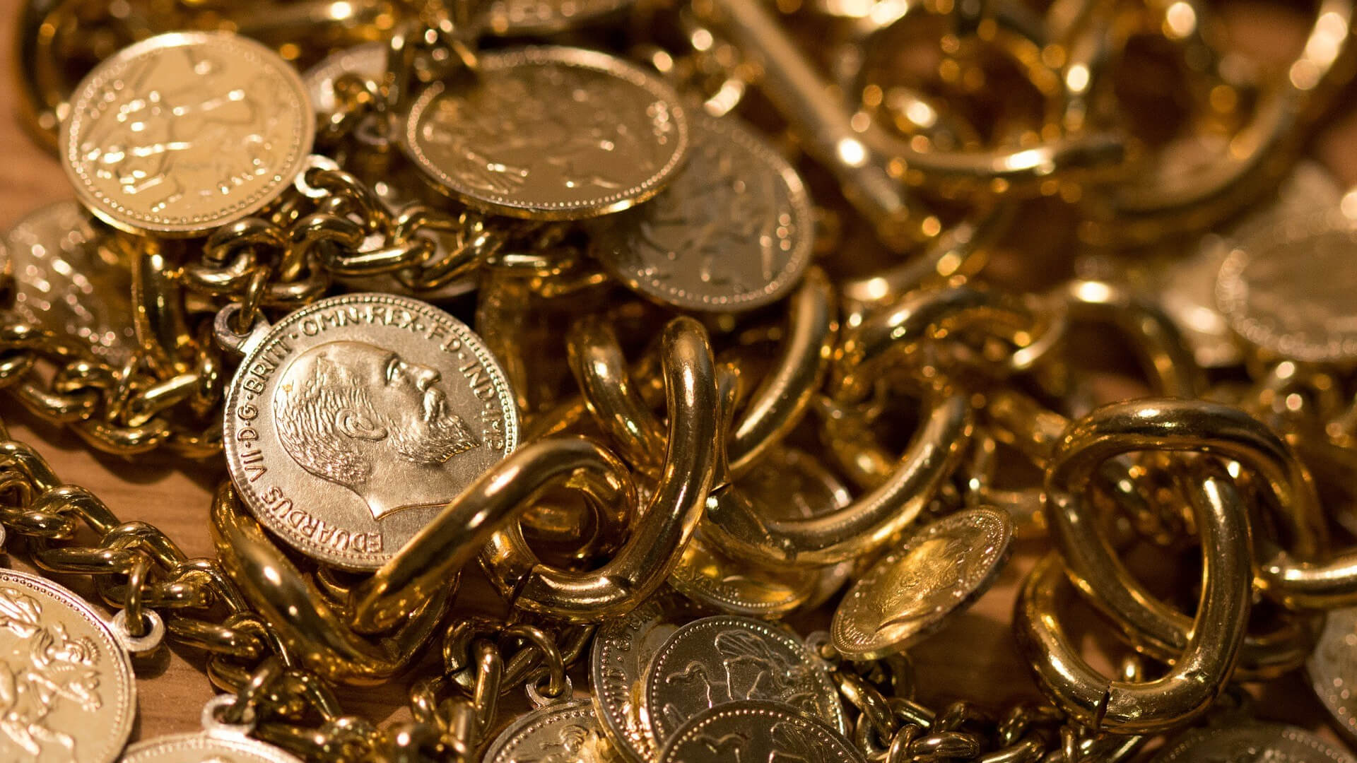 A treasure of 2,800 gold and silver coins was discovered in Hungary